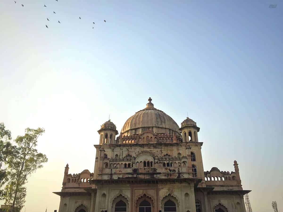 SAADAT ALI KHAN TOMB #8 PLACE TO VISIT IN LUCKNOW
