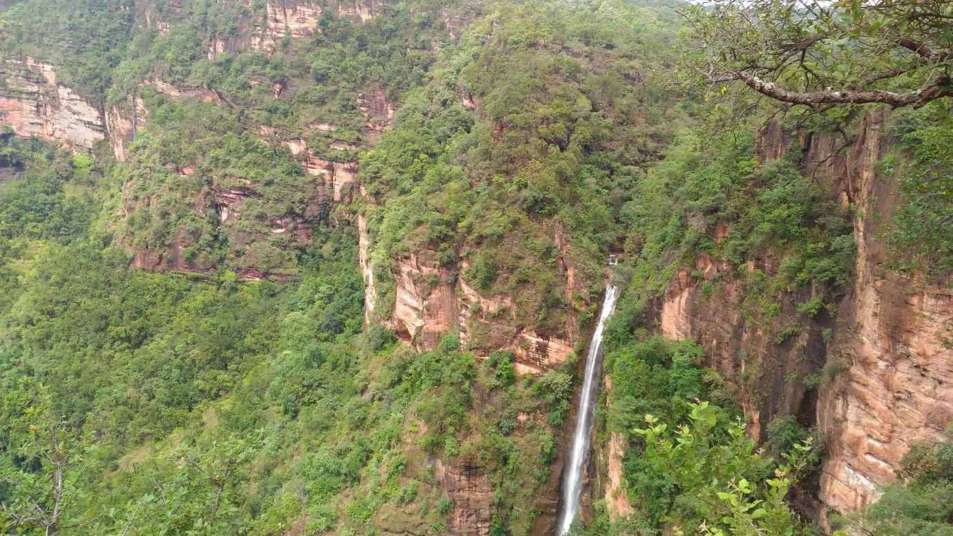 Apsara Falls Viewpoint Panchmarhi