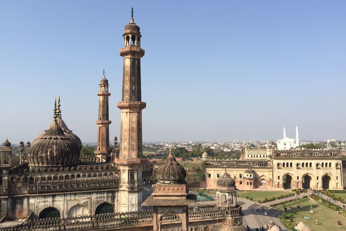 BARA IMAMBARA #1 PLACE TO VISIT IN LUCKNOW