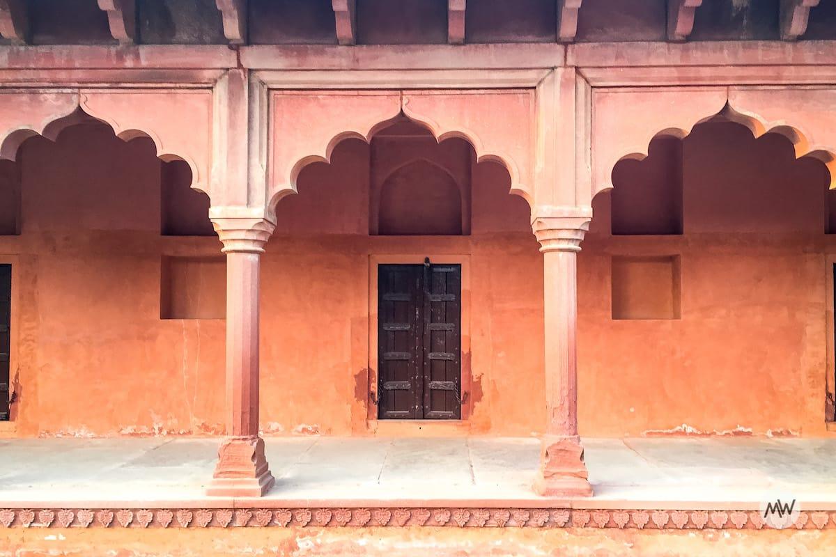 beautiful pathways at the taj mahal virtual tour