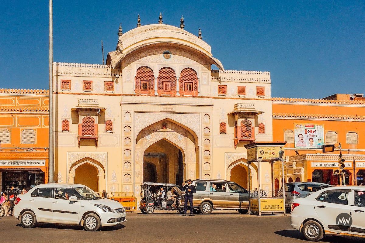 1 Badi Chaupar Near Hawa Mahal Breeze Place  Wind Palace virtual tour