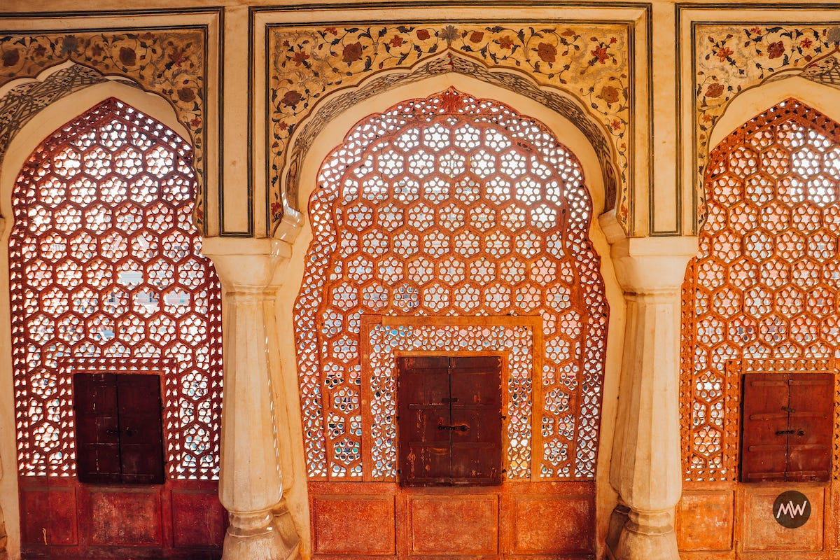 10.1 and the intricate architecture Hawa Mahal Breeze Place Wind Palace virtual tour