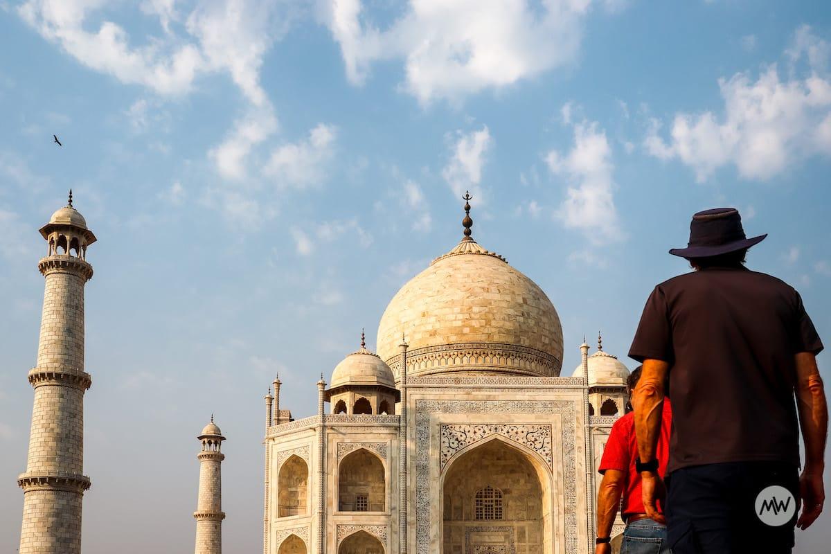 an oldman cowboy looking the dome at taj mahal virtual tour