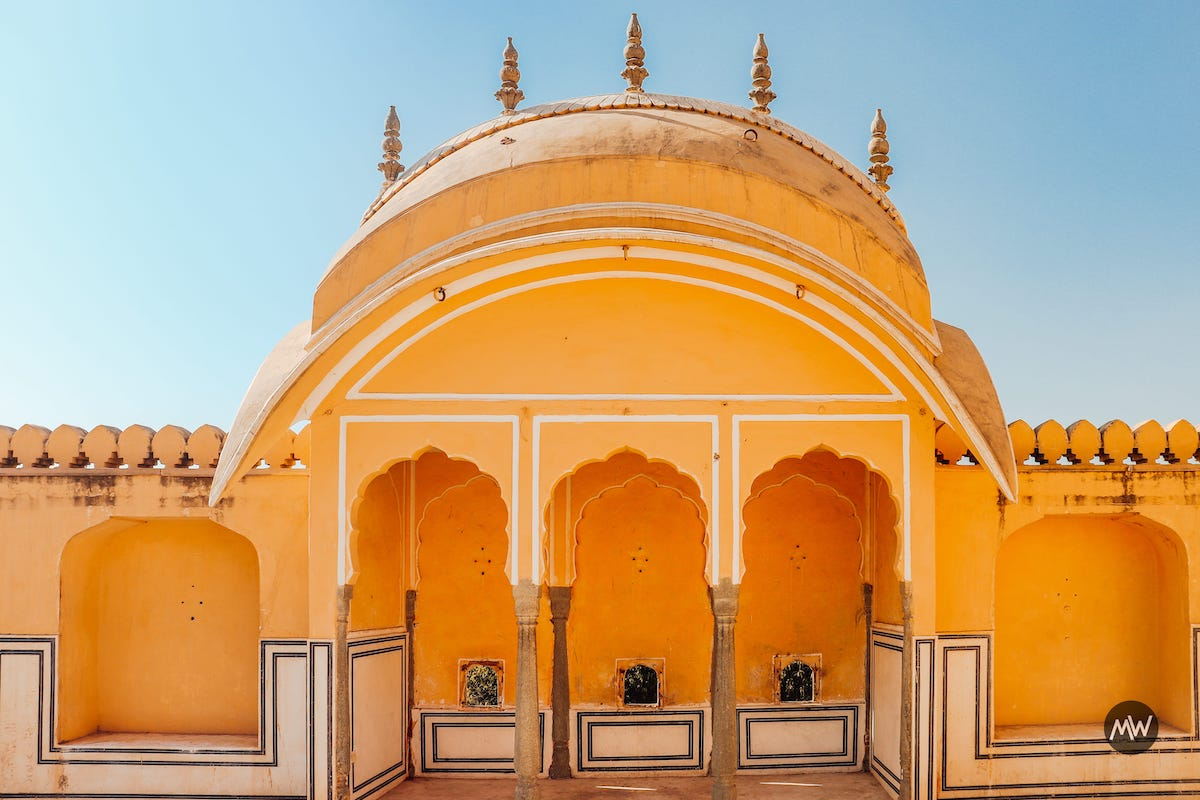 9 Up above, notice the windows Hawa Mahal Breeze Place Wind Palace virtual tour