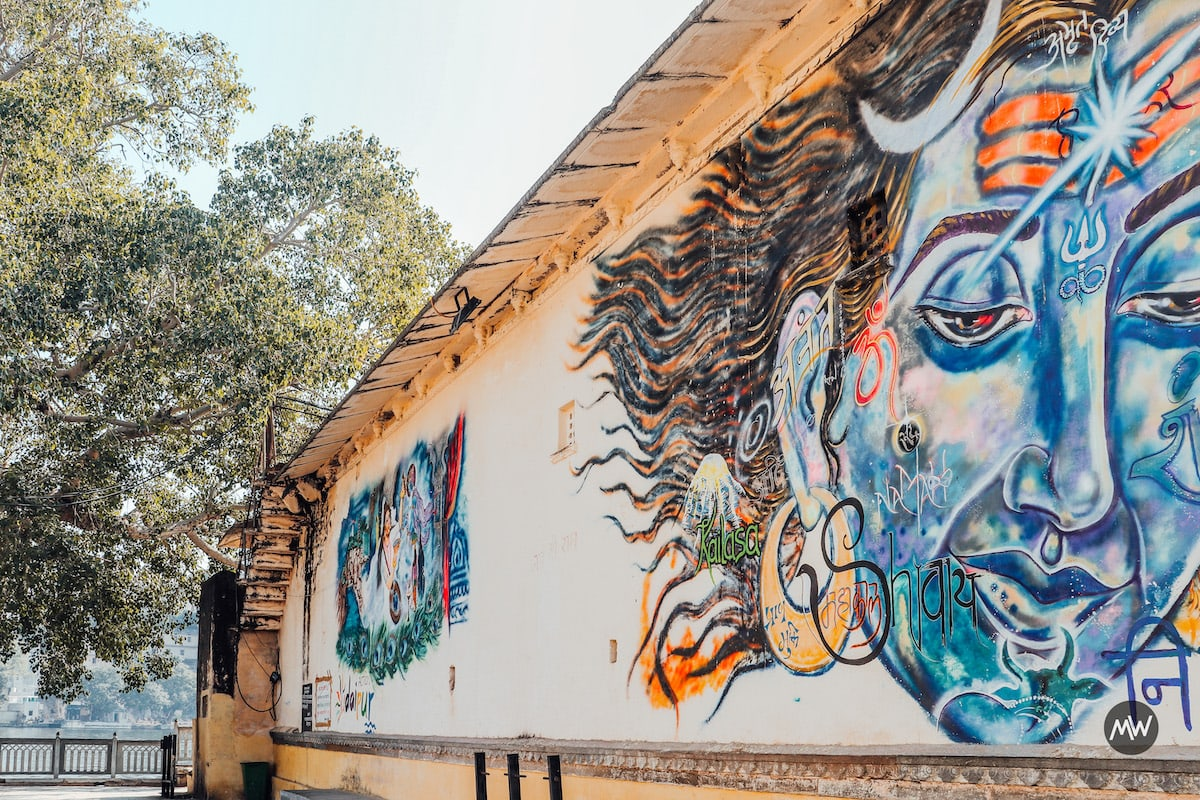Art at Ambrai Ghat - Udaipur Places To Visit