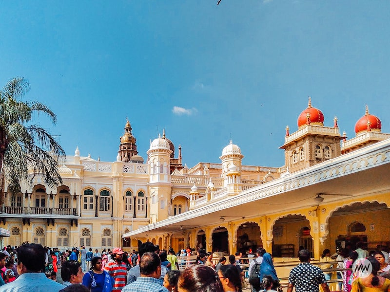 nearby counters - mysore palace virtual tour