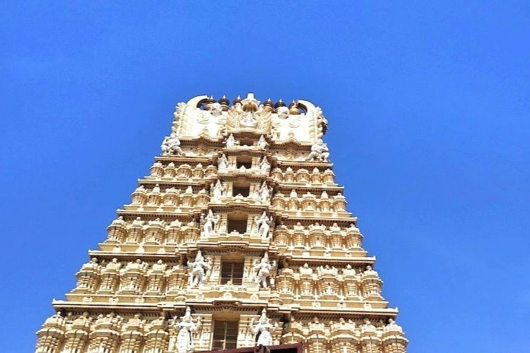 Read more about the article Chamundeshwari Temple: When Goddess Beheaded The Asuras