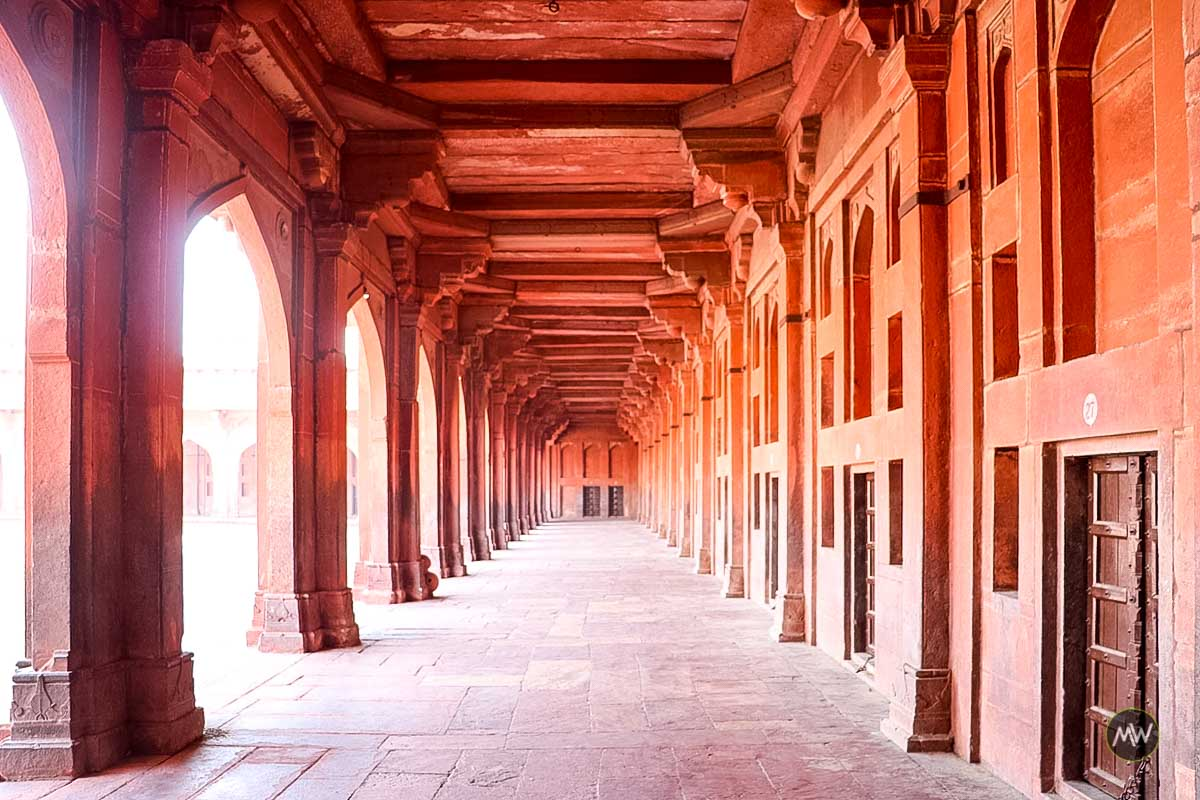 A beautiful hallway inside Jami Masjid complex at Fatehpur Sikri