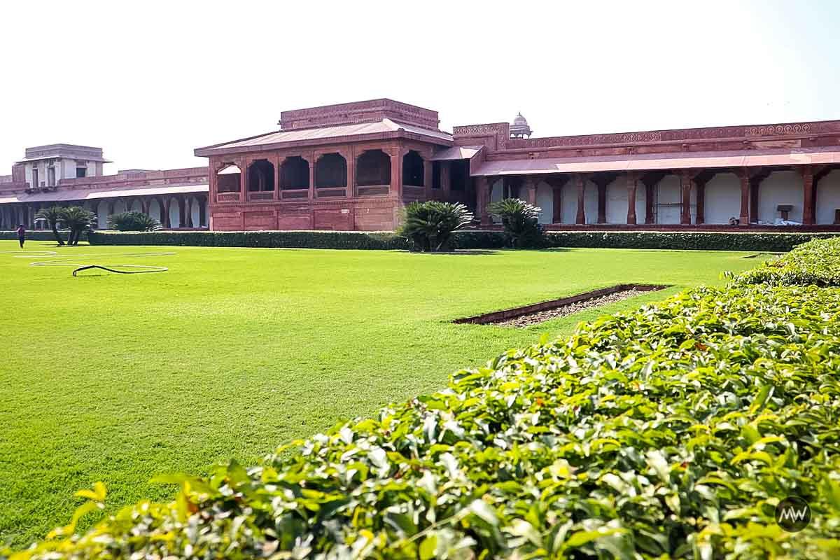 Fatehpur Sikri: Definitive Travel Guide For Buland Darwaza & Other Mughal Marvels 1