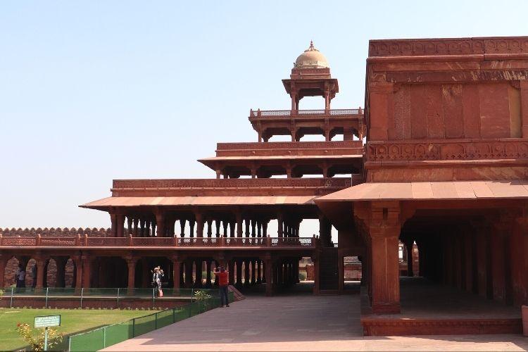 Fatehpur Sikri: Definitive Travel Guide For Buland Darwaza & Other Mughal Marvels