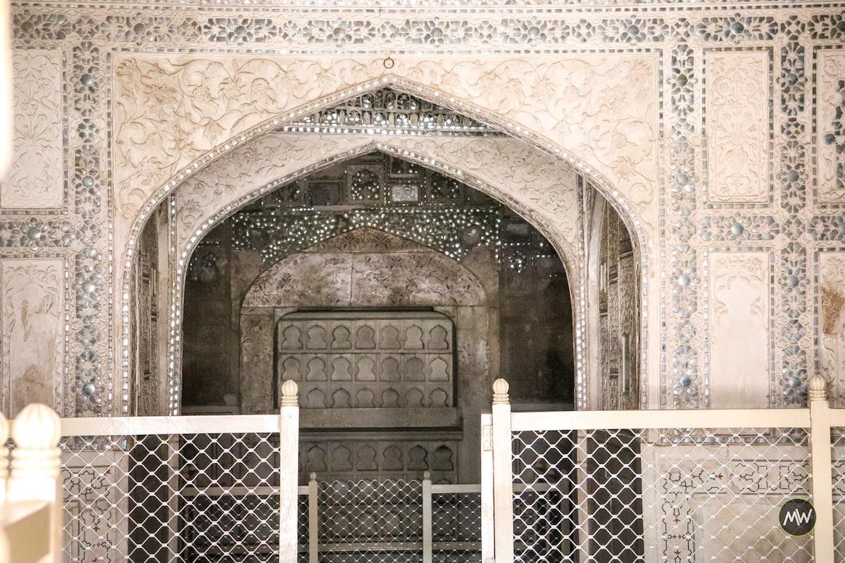 Peeping inside the sheesh Mahal